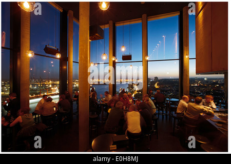 People at 20up bar at Empire Riverside Hotel Skybar, Hamburg, Germany Stock Photo: 89860380 - Alamy