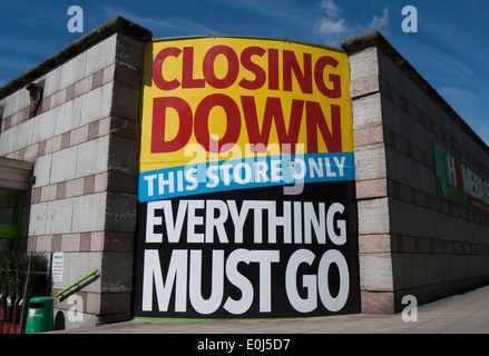 closing down everything must go sign at a branch of homebase in kensington, london, england - Stock Photo