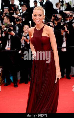 Cannes, France. 14th May, 2014. US actress Blake Lively arrives on the red carpet for the opening ceremony of the - Stock Photo
