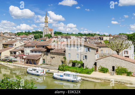 The old town of Nérac on the River Baïse, Nerac, Lot-et-Garonne, France - Stock Photo