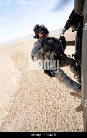U.S. Army Sgt. Patrick Modesitt, a flight medic for the Colorado National Guard's 2d Battalion, 135th Aviation Regiment, - Stock Photo