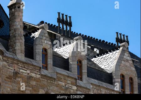 Rear view of Caja Espana savings bank in Casa Botines designed by architect Antoni Gaudi - Antony Gaudi - in Leon, - Stock Photo