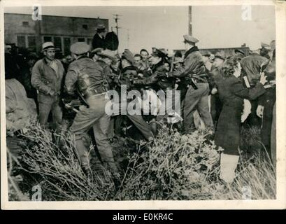 Feb. 02, 1946 - Charging the Picket line at Almeda. Photo shows Police officers charge a picket line outside the - Stock Photo