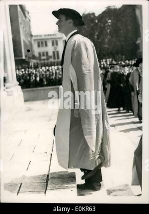 Jun. 06, 1946 - Cap and Gown for Lord Louis Mountbatten Received Cambridge Honorary Degree: Admiral Lord Louis mountbatten, - Stock Photo