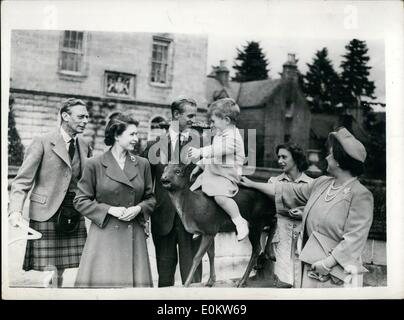 Aug. 08, 1951 - Happy Gathering at Balmoral . The King and Queen and Princess Margaret, who are in residence at - Stock Photo