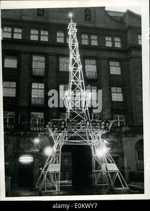 Jan. 30, 1952 - Paris comes to the Alster! A miniature Eiffel Tower was displayed before the Curio-House as an emblem - Stock Photo