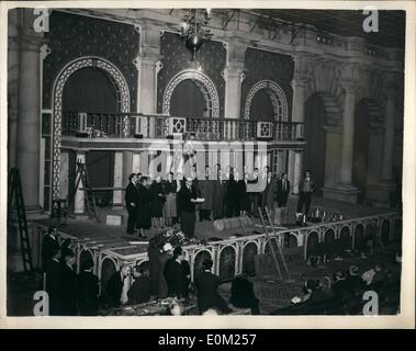 Apr. 04, 1953 - The Mermaid Theatre at the Royal Exchange Nears Completion. The Mermaid Theatre , founded by Bernard - Stock Photo