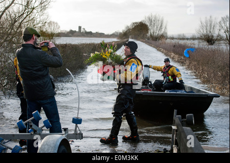 Flooding on the Somerset Levels - Jonathon Hanland from Blooming Linda's Florists in Somerton records his unique - Stock Photo