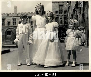 Jun. 26, 1953 - Society wedding at Oxford, Lady Rosemary Spencer Churchill weds; Queen Elizabeth The Queen Mother - Stock Photo