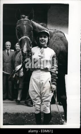 Oct. 10, 1953 - Betty Richards Wiins Newmarket Town Plate For Third Year Running: 21-year old Miss Betty Richards, - Stock Photo