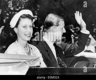 Queen Elizabeth II and Prince Philip visit Sydney - Stock Photo