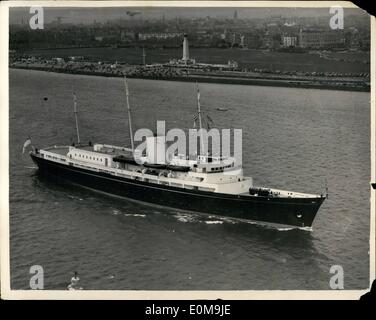 Apr. 04, 1954 - Royal Children Leave.: Aerial view of the Royal yacht Britannia. With Prince Charles and Princess - Stock Photo