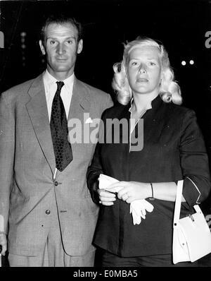 Criminal Eddie Chapman with his wife Betty Farmer - Stock Photo
