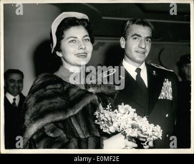 feb 02 1955 queen soraya of persia attends london. Black Bedroom Furniture Sets. Home Design Ideas