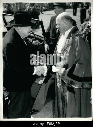 Sep. 09, 1955 - Sir Winston Churchill visits Hastings. Sir Winston Churchill paid a visit to Hastings, Sussex today - Stock Photo