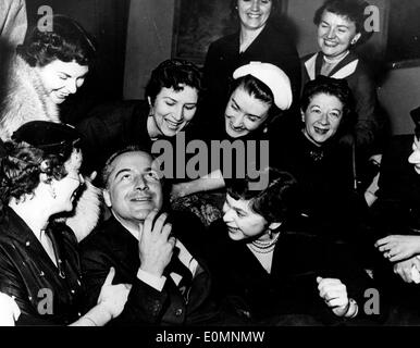 Actor Rossano Brazzi at a luncheon given in his honor - Stock Photo