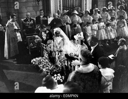 Prince Rainier and his wife Grace Kelly's wedding ceremony - Stock Photo
