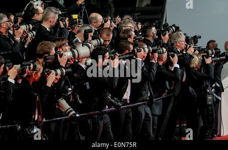 RED CARPET PRESS PHOTOGRAPHERS CAPTIVES PREMIERE 67TH CANNES FILM FESTIVAL CANNES  FRANCE 16 May 2014 - Stock Photo