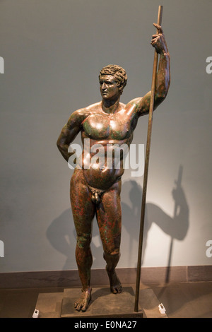 Bronze statue of a prince, 3rd-2nd centuries BCE. National Museum of Rome, Palazzo Massimo, Italy - Stock Photo