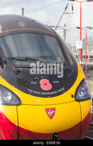 Virgin class 390 Pendolino train, 390 103 'Virgin Hero' in Remembrance livery honouring the dead of the first world - Stock Photo