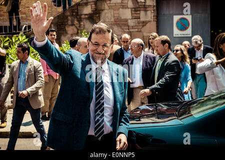 Barcelona, Spain. May 17th, 2014: Mariano Rajoy Brey, President of the Spanish Government, greets as he is leaving - Stock Photo