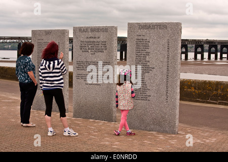 Memorial Sculptures with passengers and crew names that lost their lives from The 1879 Tay Railway Bridge Disaster - Stock Photo