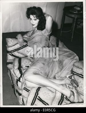Mar. 03, 1958 - ''God's Little Acre'' Star In London Tina Louise At the Savoy: Miss Tina Louise - the American Screen - Stock Photo