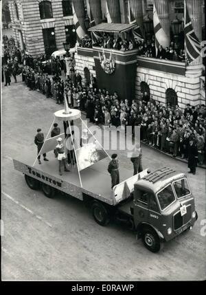 Nov. 11, 1958 - The Lord Mayor's Show ''Tomorrow''. Photo Shows The scene as Sir Harold Gillett the new lord Mayor - Stock Photo