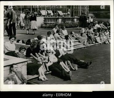 Aug. 08, 1959 - Photograph supplied by the British Information Services Bizz 10889/LA: Irish Air: Some Irish eyes - Stock Photo