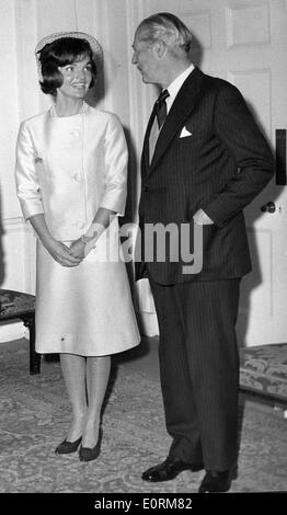 Jan. 01, 1960 - London, England, United Kingdom - File Photo: circa 1960s. JACKIE KENNEDY holding her hands together - Stock Photo