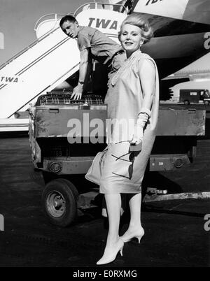 Actress Zsa Zsa Gabor at the airport - Stock Photo