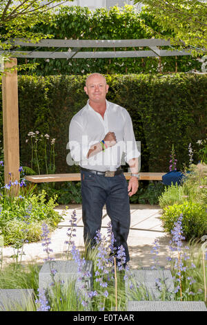 Actor Ross Kemp, on the Hope on the Horizon garden.  The 'Hope on the Horizon' garden in aid of Help for Heroes: - Stock Photo