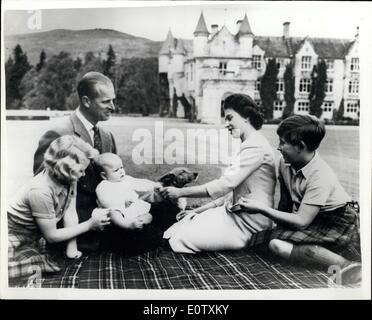 Sep. 08, 1960 - New pictures of the Royal Family on Holiday at Balmoral: Special pictures of the Royal Family including - Stock Photo