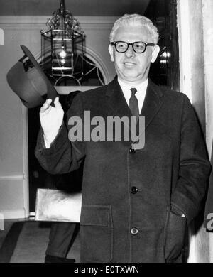 Statesman Arthur Goldberg gets ready to go out - Stock Photo