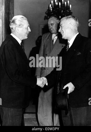 Harold MacMillan and Hendrik Verwoerd at Commonwealth Conference - Stock Photo