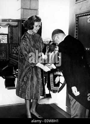 Princess Alexandra greeted by the Emperor of Japan at Imperial Palace - Stock Photo
