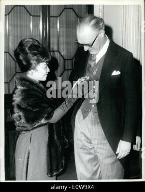 Apr. 04, 1962 - The First lady of Vietnam Visits The lord Mayor Of London: Mrs. ngo Dinh nhu, the first lady of - Stock Photo
