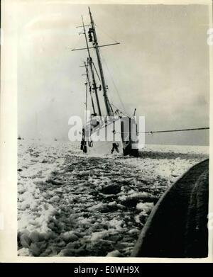 Jan. 22, 1963 - Lightship Tries to Break Loose from Pack Ice. For the first time since the severe winter of 1947 - Stock Photo