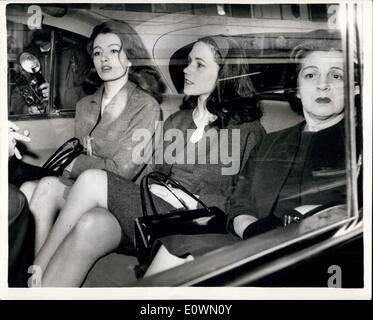 Oct. 04, 1963 - Keeler Case - Third Day: The case in which Christine Keeler, Paula Hamilton Marshall and Olive Brooker - Stock Photo