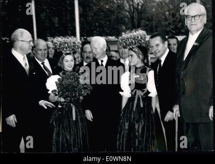 Oct. 10, 1963 - President Lubka opens LOC Session in Baden-Baden. German Federal president Dr. Lubke ( Dr. Lubke - Stock Photo