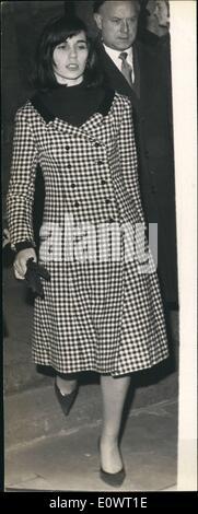 Dec. 12, 1963 - Keeler Case... Paula Hamilton - Marshall: The trial in which Christine Keeler, Paula Hamilton - - Stock Photo