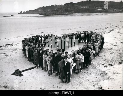 Apr. 04, 1964 - The Tax-Beating sweethearts on the Honeymoon Isle: The traditional honeymoon isle of Jersey in the - Stock Photo