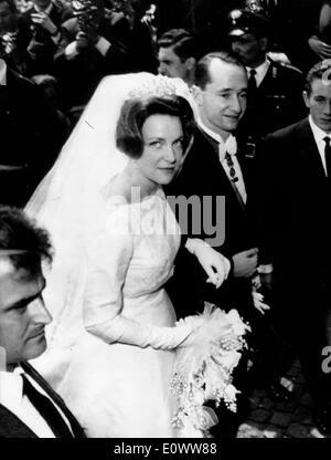 Princess Irene walking down the aisle to marry Prince Carlos Hugo - Stock Photo