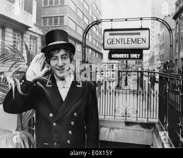 Nov. 29, 1964 - London, England, United Kingdom - Singer JOHN LENNON makes a guest appearance as a nicely dressed - Stock Photo