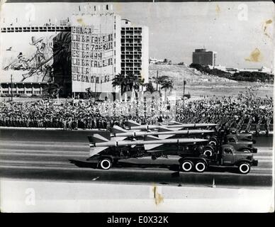 Jan. 01, 1965 - SIXTH ANNIVERSARY OF THE CUBAN SOCIALIST REVOLUTION. A huge military parade was held through the - Stock Photo