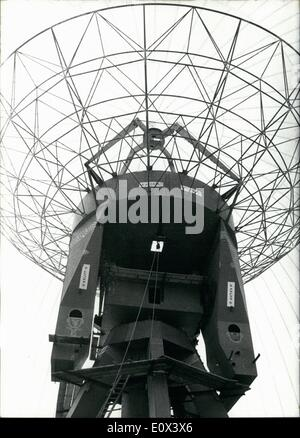 Feb. 02, 1965 - A radio telescope under a plastic roof: you can find in Bochum. The new telescope of the universe - Stock Photo
