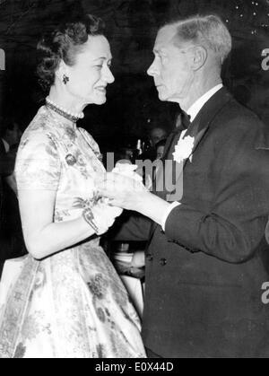The Duke and Duchess dancing in Lido - Stock Photo