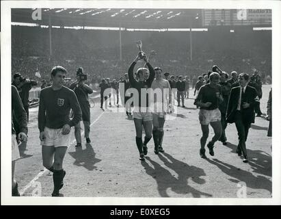 Jul. 07, 1966 - Football the 1966 World Cup. The Final England V. West Germany at Wembley Stadium. England won 4 - Stock Photo