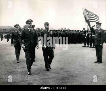 Oct. 10, 1966 - U.S Third Air Force '' Change of Command '' Ceremony at R.A.F. Northolt.: At a change of command - Stock Photo