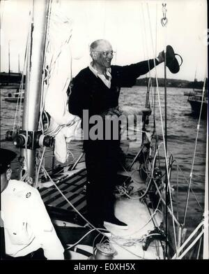 Dec. 12, 1966 - Francis Chichester Given Hero's Welcome In Sydney. Lone yachtsman Francis Chichester in his ketch - Stock Photo